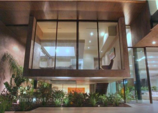 foto desain eksterior rumah minimalis modern ke 1 si momot