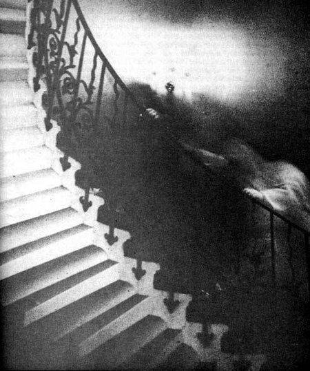 Foto penampakan hantu terkenal 80