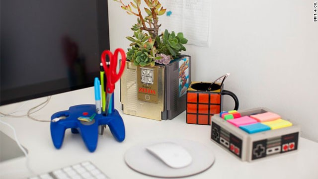 10 Ide Kreatif Dekorasi Meja Kerja Kantor Si Momot