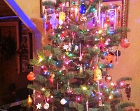 foto contoh desain dan dekorasi pohon natal (82)