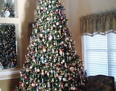 foto contoh desain dan dekorasi pohon natal (92)