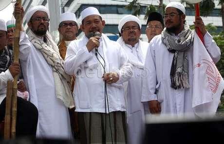 """""""Gubernur Tandingan"""" DKI akan ikuti gaya Jokowi? - SIMOMOT"""