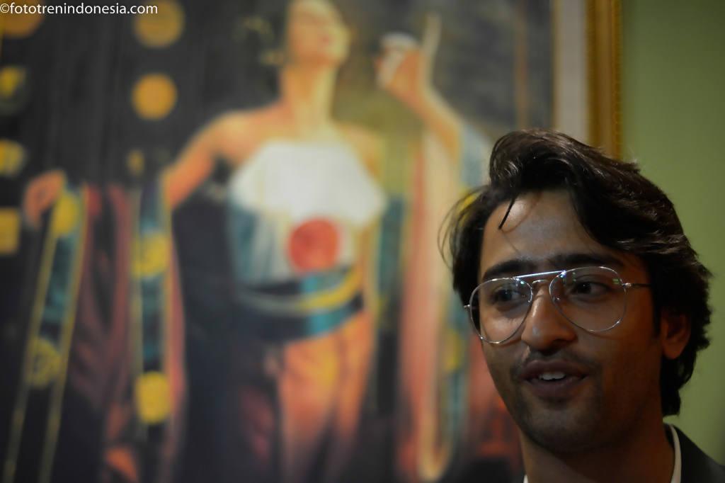 Aktor India Shaheer Sheik berpose usai memberi keterangan