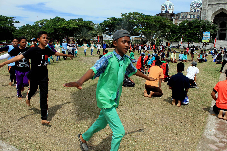 Foto Foto Lengkap Tema Hari Kemerdekaan Ke 70 RI