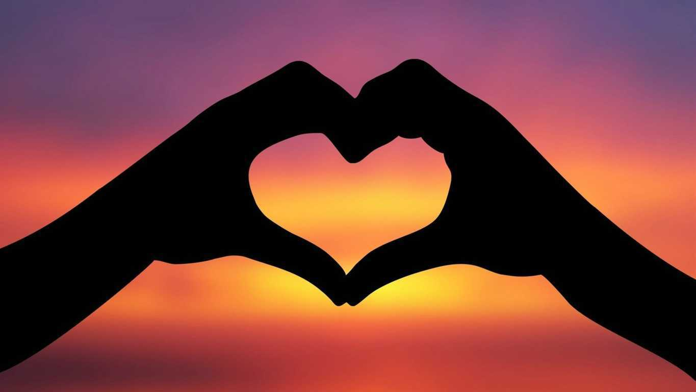 Kata Kata Cinta Romantis Baper Buat Pacar Tersayang Menyentuh Hati