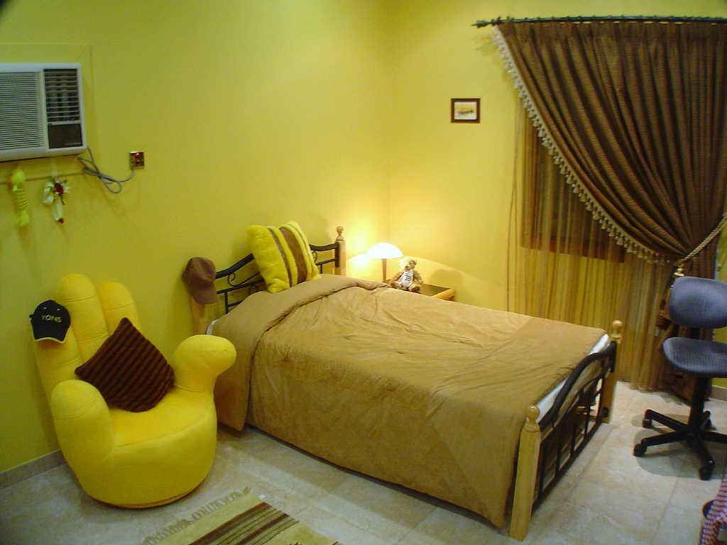 Interior R Tidur Warna Kuning Untuk Anak Perempuan