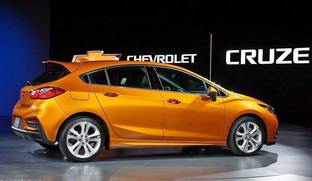 Chevrolet Cruze Hatchback >> Harga Chevrolet Cruze Hatchback Desain Terbaru November 2017
