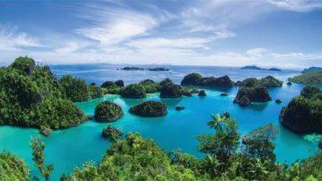Pantai terindah di Indonesia Raja Ampat Papua